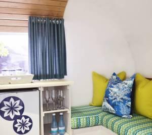 Beach_House_-_Interior_3_755_670_70_s_c1_c_c