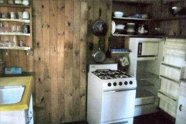 54eb5fa945b6d_-_little-house-on-the-lake-old-wood-kitchen-0912-xln